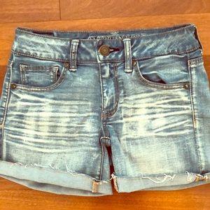 American Eagle Jean Shorts Midi Size 4